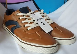 Tan & Blue Big Boys Athletic Sneakers Size 3